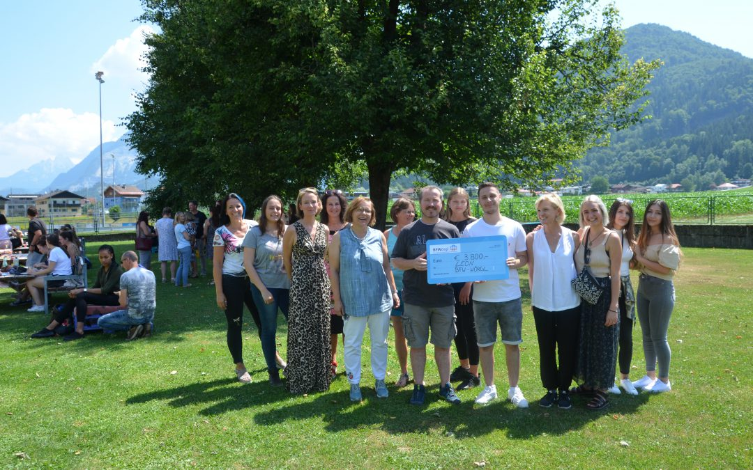 """SchülerInnen – Sommerfest der BFW mit ALW WÖRGL : """"Hilfe für LEON"""""""