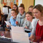 Chor der 2FW-Schülerinnen